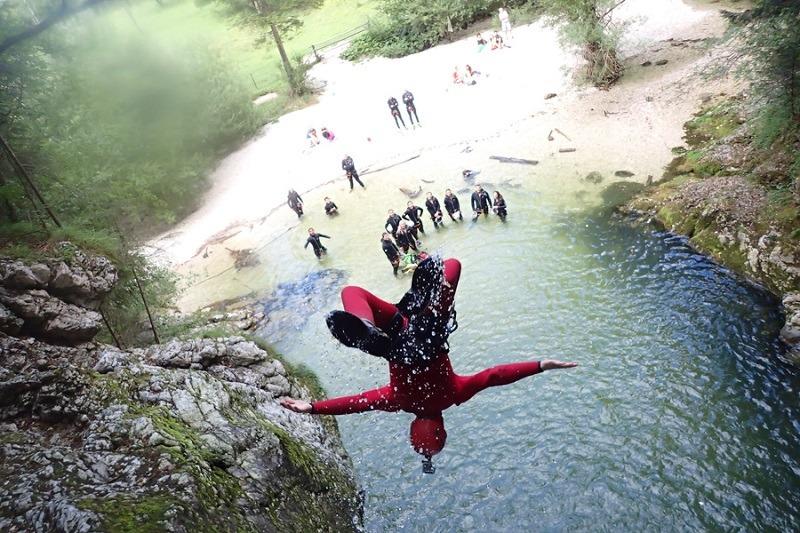 Canyoning Slowenien ist eine der interessantesten und spaßigsten Attraktionen