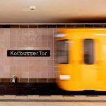 """Kottbusser Tor in Berlin: Mann wird im Streit vor Zug gestoßen und stirbt – """"fürchterliche Belastung"""" für U-Bahnfahrer"""