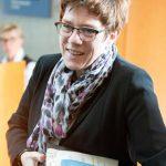 Nato-Treffen: Syrien-Vorstoß: Kramp-Karrenbauer wirbt um Verbündete