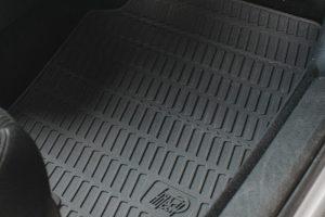 Gummi-Auto-Fußmatten