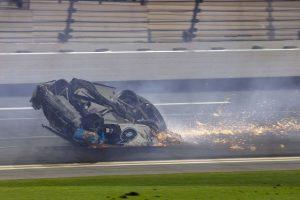 NASCAR: Schwerer Unfall Fahrer in ernstem Zustand