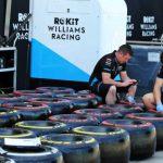 Formel 1: Pirelli stampft 1800 Reifen ein Ferrari sperrt Fabrik zu