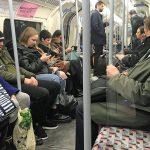 Nur wenige Schulen geschlossen: London verteidigt zaghaften Kampf gegen Coronavirus