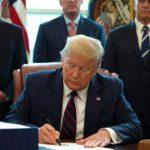 Trump unterzeichnet Billionen-Notprogramm gegen Coronavirus-Krise