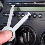 Autoradio einbauen: Radio richtig anschließen So wird ein neues Radio eingebaut