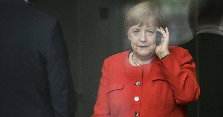 """""""Ist Söder noch dabei?"""": Technikpanne bei Merkels Telefonansprache"""