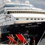 Landgang fällt aus: Kreuzfahrtschiffe stechen wieder in See