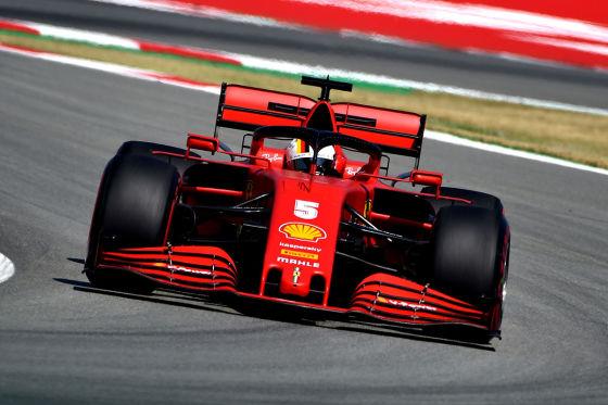 Hamilton holt 200. Mercedes-Pole