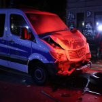 Crash mit zwei Polizeifahrzeugen: Demonstration in Leipzig eskaliert