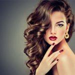 Geschichte der Haarverlängerungen und ihre Entwicklung im Laufe der Jahre
