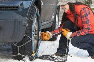 So verwenden Sie Schneeketten für eine sichere Fahrt